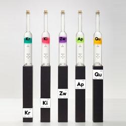 Rezept-Destillate, Swiss fruit spirits have beautiful packaging designed by Thomas Lehner.
