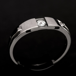 Mechanical Engagement ring.  Opens to reveal diamond.