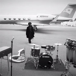 The Roots perform an exclusive track during the John Varvatos Fall/Winter 2011 Campaign shoot at Republic Airport in New York. Incredibly all in one take...