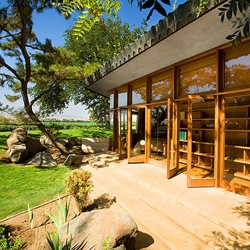 The Fawcett House designed by Frank Lloyd Wright sits on an 80 acre fertile farmland located in Los Banos, California. This historic ranch style residence built in 1961 is now on the market.