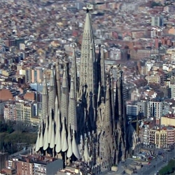 A new visualization of Antonio Gaudi's Sagrada Familia church in Barcelona shows the final steps to completion in a 3D animation.