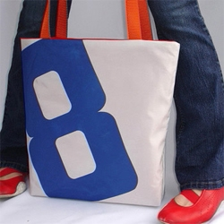how cute are these retier8 bags?  and they're made of recycled sails!