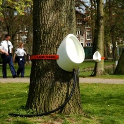 P-Tree is a concept by Sam van Veluw trying to imagine how to avoid dirty toilets during festivals.