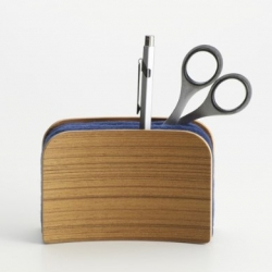 Sandwich on Rye, little desktop accesory for you to keep things in order. Designed by Haruka Nakai.