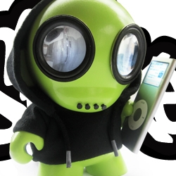 Graphic Designer Jason Larche brings you Speakerboxxx, a custom Munny iPod dock. View the Speakerboxxx promo video and download his DIY Munny hoodie template.