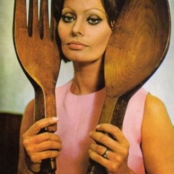 Retro 1971 cook book - Cucina con Amore - by Sophia Loren. Cooking aside, this is THE ultimate 1970's style inspiration.