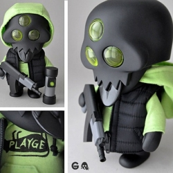 Ferg x Rotofugi – SDCC Exclusive Squadt!  Ferg's Squadt gohst s003 ~ limited to 125, 60 of which will be at SDCC! Includes a playge Hoodie, puffy vest, sAK-74, pipe bomb, 2.0 articulated arms, classic arms and removable helmet.