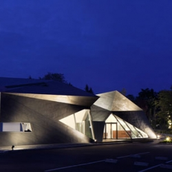 Yasui Hideo explains to us the idea behind his last project for Karuizawa Museum Complex.
