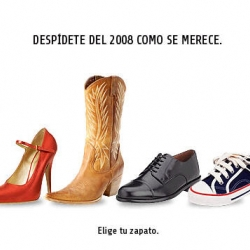 """Say good bye to 2008 in style"". Viral/game from Saatchi Spain that allows you to choose a shoe to throw..."