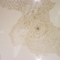 Unnevers, gold paint on ceiling, 7000mmX x 5000mmY by Yi Lin Juliana Ong.
