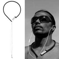 Michiel Cornelissen's 'Pod à porter' is a novel, convenient and elegant way to wear your music. Fits iPod shuffle 3d generation.