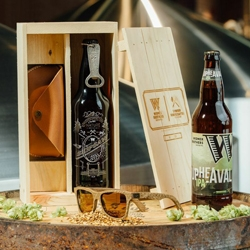 Shwood and Widmer Brothers Brewing teamed up on a custom beer and sunglasses kit for the beer aficionado! Both the sunglasses and beer utilize Oregon oak for a truly Pacific Northwest flavor.