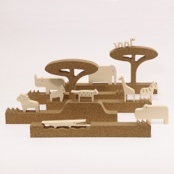'silhouette - jungle' 5 modular cork profiles to create a wildlife habitat for 10 sycamore wood animals.