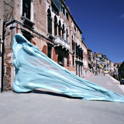 Giant chewing gum sculptures in Venice. Artwork by Simone Decker.