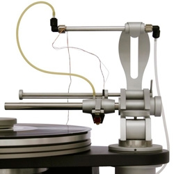 Simon Yorke Designs creates record players with incredible design and state of the art technology.