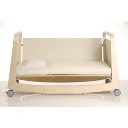 The Sirch Babybett Suiko can be used as a rocking cradle, crib, or toddler bed. The only piece of furniture you'll need for your baby's first four or five years.