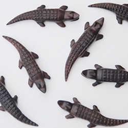 Smart Crocodile, the beautiful wooden USB memory designed by Ania Wolowska.