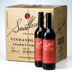 Swedish Neumeister has redesigned Snälleröds glögg. The new label design reminds me of a single cask label (whiskey) with a Christmas twist.