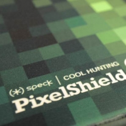 Cool Hunting have been giving away iPads in incredible cases made in collaboration with Speck. The custom PixelShields sport a Cool Hunting green-gray palette, though each piece looks a little different.