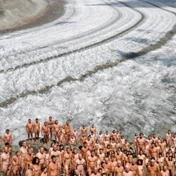 Spencer Tunick + Greenpeace...
