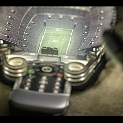 Psyop goes tiny in this new Sprint spot...  managed to create a believable football stadium - at the scale of a mobile phone... created by Goodby, Silverstein + Partners...