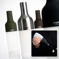 Squeezable vinaigrette bottle by Arian Brekveld for Royal VKB.