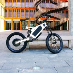 Stealth Fighter, astonishing e-bike combines a stunning machine look with great technology to provide maximum fun riding in streets, fields, woods. By Stealth Electric Bikes.