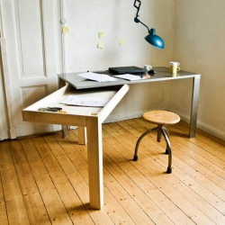 Stephan Schulz design the 'Moving Table-Loader'. The perfect desk if you've got limited space but need a great working place.