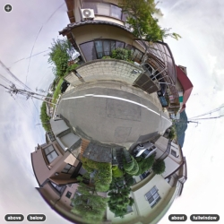A new Google Maps hack allows you to explore Streetview through a trippy stereoscopic lens.