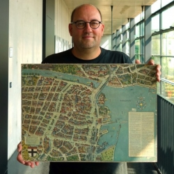Michael Stoll, professor of Media Theory and Information Design at the Augsburg University of Applied Sciences, is the greatest collector of infographics in the world.