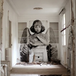 Street Art and Wall Murals by YZ Yseult.