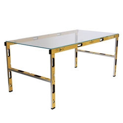 Sundayland's Straight Table ~ it would drive me insane on uneven floors...