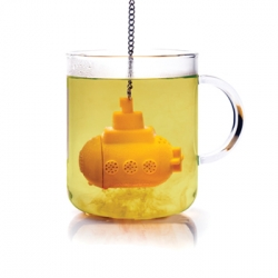 Tea Sub. Little yellow submarine for tea infusion, designed by Ototo.