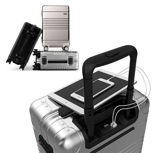 ARLO SKYE - The New-York-Based travel brand company for the design obsessed, presents its first product. The Carry-On for flights of fancy. Complete with removable portable charger.