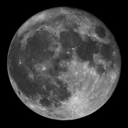 Cinco De Mayo Super Moon tonight! This perigee full moon will be as much as 14 percent bigger and 30 percent brighter than other full moons of 2012.