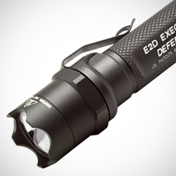 E2D Executive Defender® by Surefire single-output incandescent lamp is a compact high-output flashlight with self-defense enhancements.