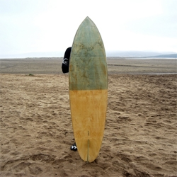 "Single Fin 6'2"", video showing the construction process of a hollow wooden surf board by chilean design and architecture firm Los Gogo."