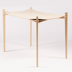 Keyne Dupont's Entre les lignes - gorgeous details on this table