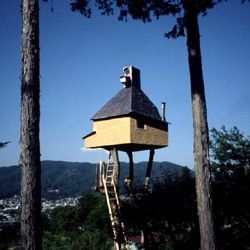 Architect Terunobu Fujimori designed this tiny teahouse hideaway on stilts  for himself in his father's garden. Totally  Zen.