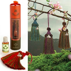Agraria Home's Tasselaire ~ perfumed tassel air fresheners with refresher oils