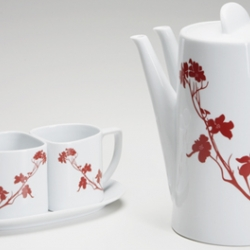 Teaset from Marla Dawn design, features a unique double spout and two teacups that share a single saucer.  For those oh so intimate tea occasions.