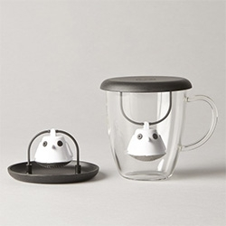 Birdie Swing Tea Infuser by Pernille Vea for QDO