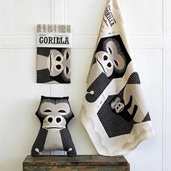 Mibo Animal Tea Towels - whether you keep them as tea towels or sew them into stuffed animals is a tough decision. Or you can use it as a tea towel, THEN sew it into a toy?