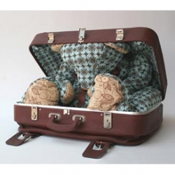 as a kid, i definitely carried blankie everywhere. now industrial design student jenny pokryvailo from the bezalel academy fit a stuffed bear inside a recycled retro suitcase.