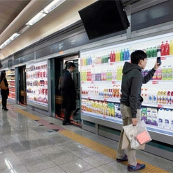 Tesco Homeplus now runs a virtual store in the subway of South Korea!