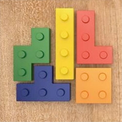Familiar shape with enjoyable appearance, inspired by Lego and Tetris games, to combine concepts in stationery design. You can use it to stick your photos on fridge or pin your memos on corkboard.
