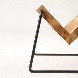 Designed by Koizumi Makoto, the Tetsubo Bookstand is a simple V-shape wood top with bended iron rods. Truly Japanese style!