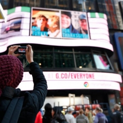 Google Turns Time Square in NYC Into a Photo Gallery, with 'Gallery for Everyone'.