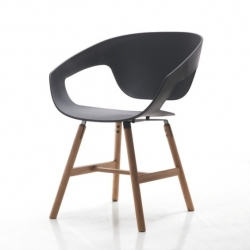 'Vad Wood' chair by Luca Nichetto is inspirated by scandinavian design.