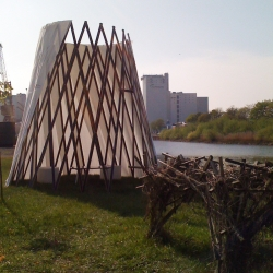 tipi is e new interpretation of nomades houses by confused-direction
